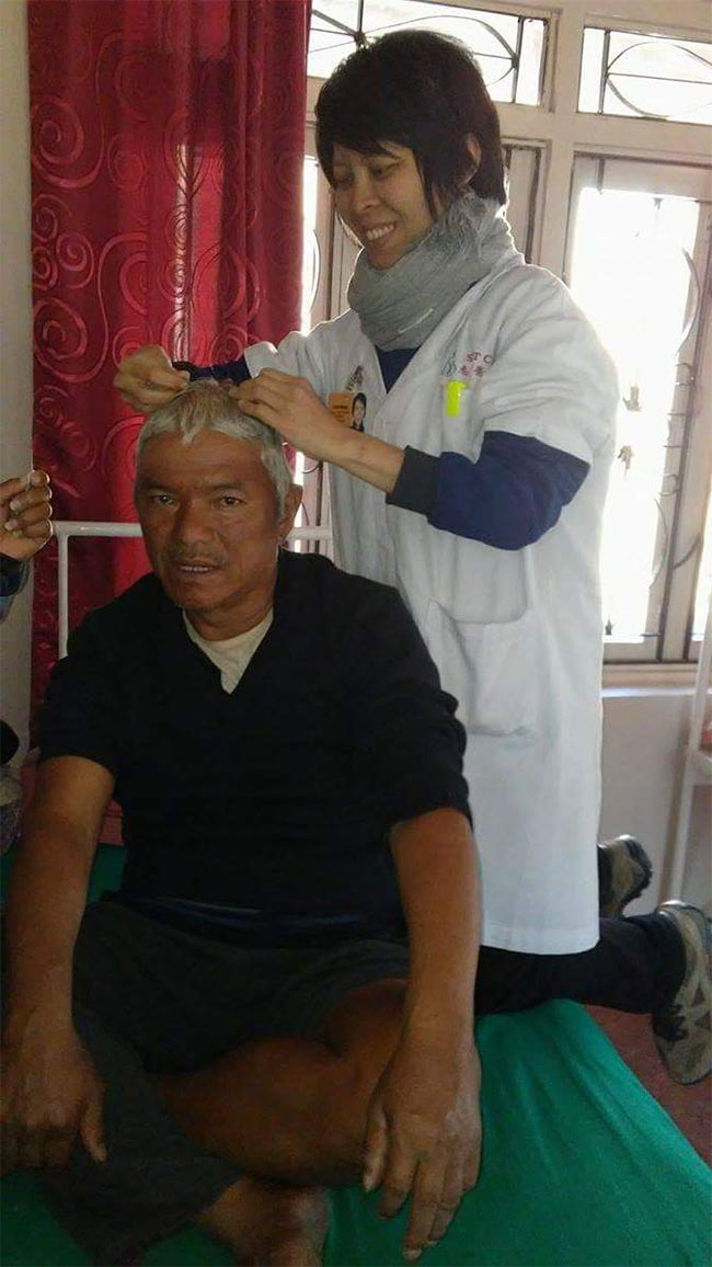 Kaikit treating Buddhi with scalp acupuncture